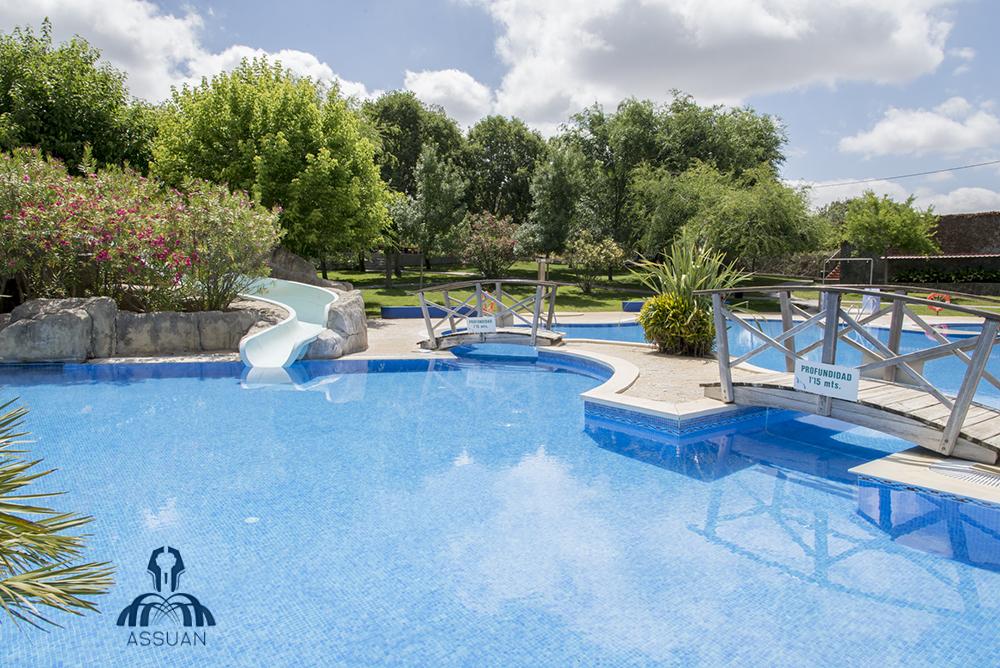 Piscinas assuan en cordoba piscina para adultos for Piscinas infantiles baratas